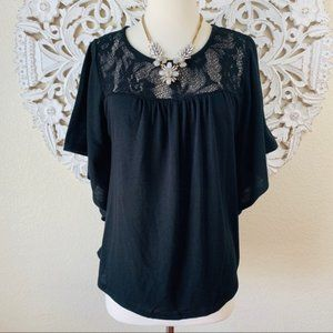 {Belly by Design} Black Crochet Maternity Top